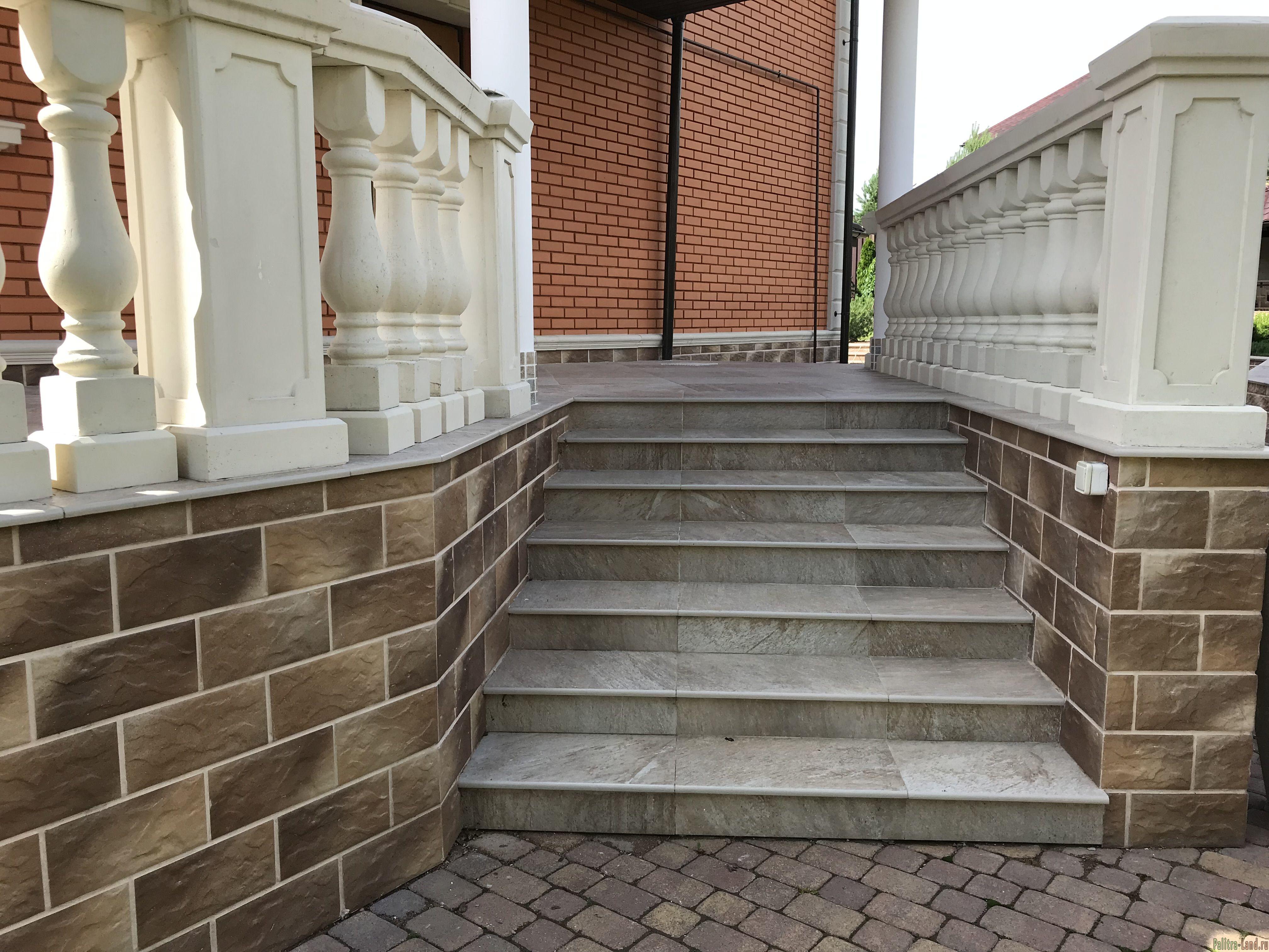 Мощение камнем приусадебного участка, создание подпорных стенок, бордюров.
